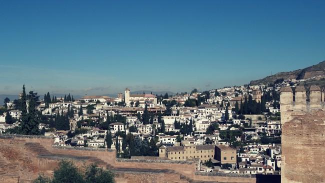 Vista parcial del Albaicín desde la Plaza de los Aljibes