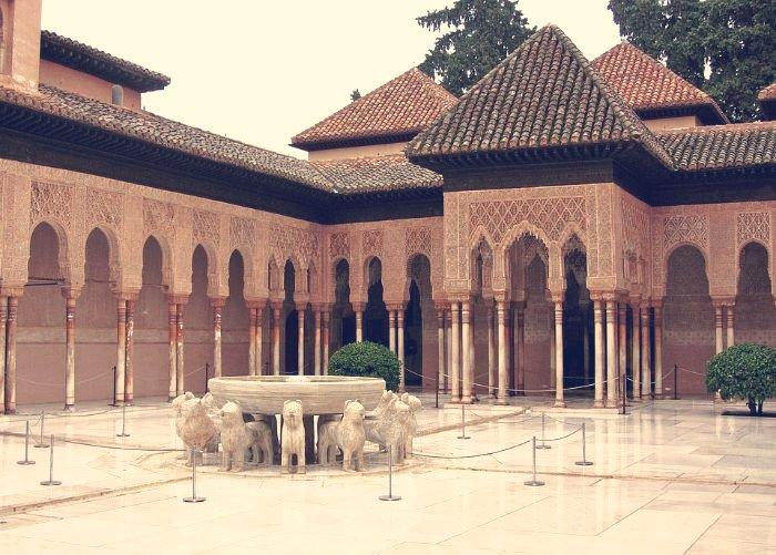 Patio de los Leones. Alhambra. Granada