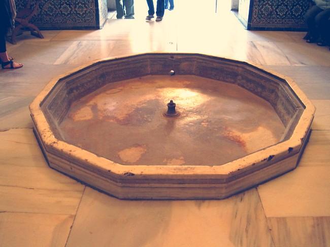 Fuente de la Sala de los Abencerrajes, Alhambra
