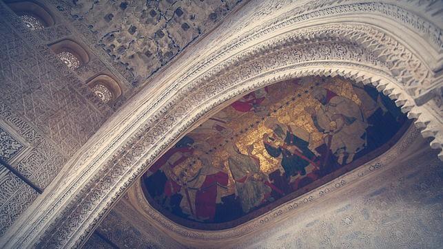 Detalle de las pinturas en la Sala de los Reyes de la Alhambra